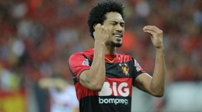 Bahia Notícias / Esportes / Notícia / Atualmente no Confiança, Hernane Brocador cobra R$ 2,4 milhões do Sport na Justiça   19/07/2021