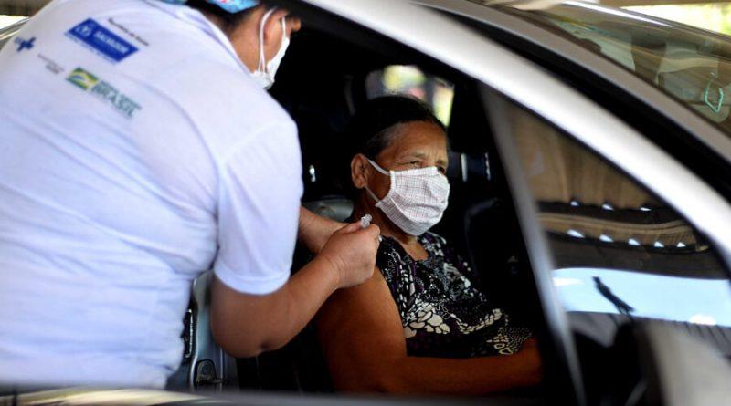 Vacinação contra Covid é suspensa neste domingo (18) em Salvador
