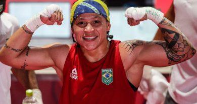 A baiana, Beatriz Ferreira, e favorita ao ouro no boxe, avança às semifinais e garante a terceira medalha do boxe brasileiro   Resenha na Rede