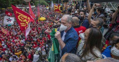 Adversário de Ciro, ex senador vai receber Lula e afirma que pedetista é 'poeta do mal'