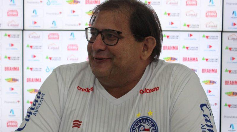 Bahia Notícias / Esportes / E.C. Bahia / Guto Ferreira elogia entrega do Bahia no triunfo sobre o Athletico PR   09/10/2021