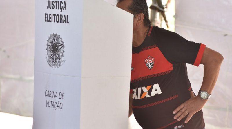 Bahia Notícias / Esportes / E.C. Vitória / Três chapas irão concorrer às vagas para o Conselho Fiscal do Vitória   19/10/2021
